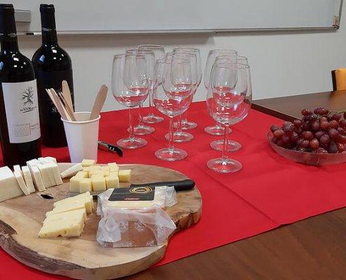 Weinverkostung auf italienisch
